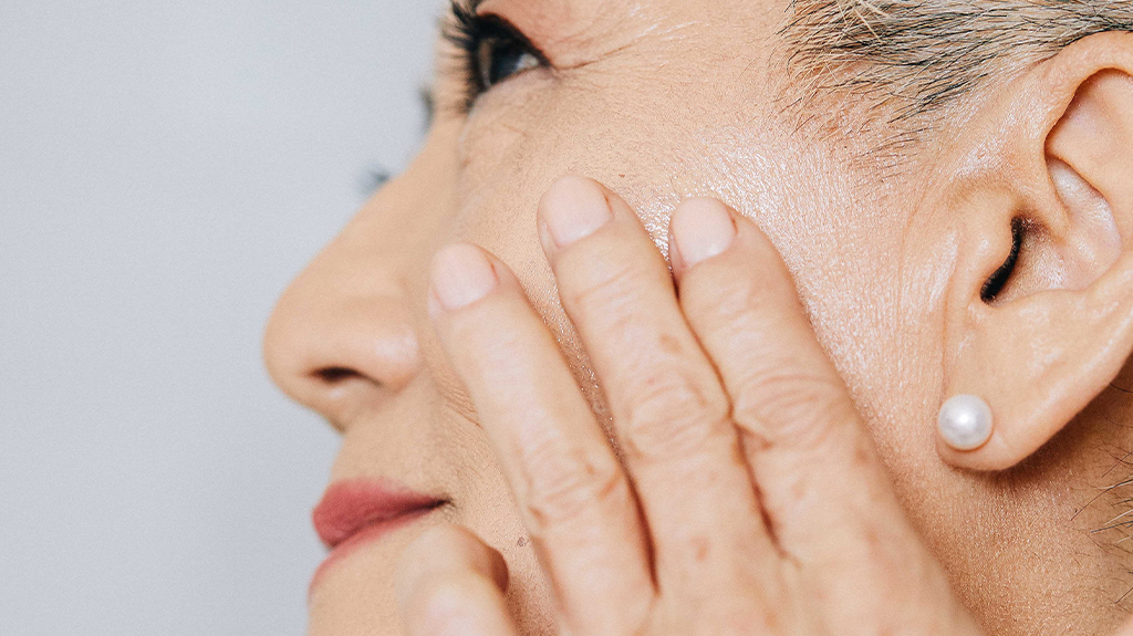 Healthy Aging: Find the Right Moisturizer for Your Age